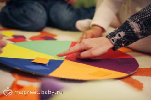 Как выучить с ребенком цвета?