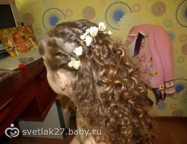 Прически на выпускной на длинные волосы фото детский сад