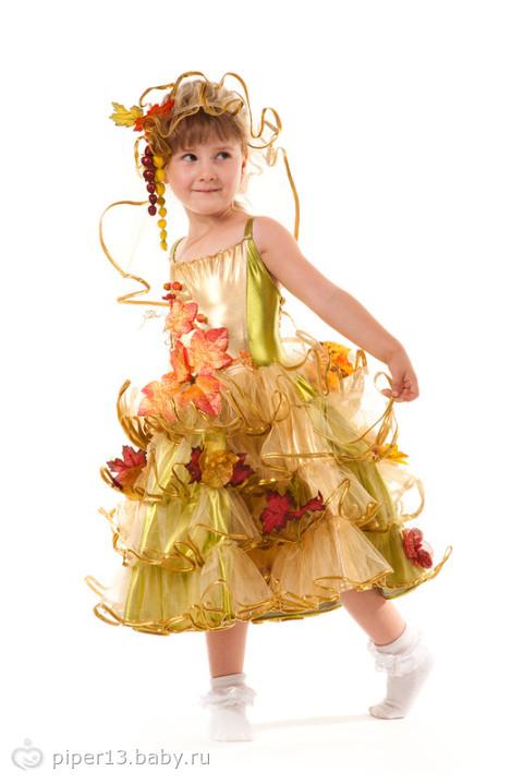 смотреть платье короткое с кружевами и рукавами три четверти