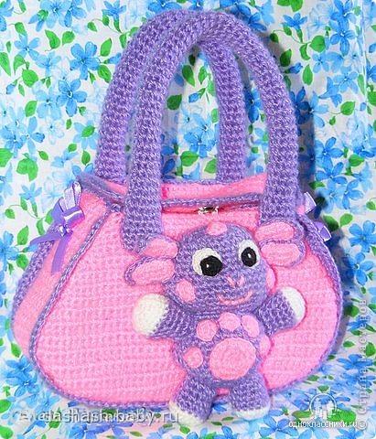 Описание: Вот примеры детских вязаных сумочек. . . Жаль только, что я не умею вязать крючком