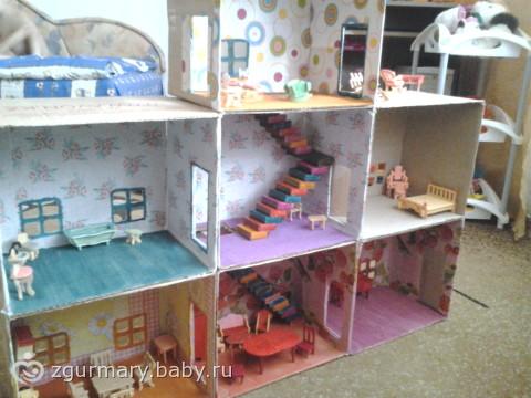 Как сделать кукольный домик из коробки своими руками фото