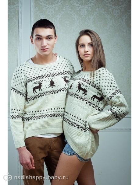 вязаный свитер с оленями женский
