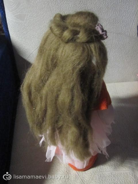 Вот такая пошилась девочка по мотивам кукол Татьяны Коннэ.  Не решила куда ее буду пристраивать еще.