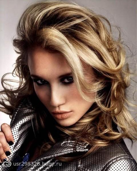 Как покрасить волосы из брюнетки перейти в мелированные белые локоны - 4582