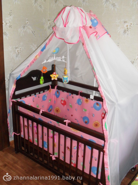 Как украсит кроватку для новорожденных своими руками