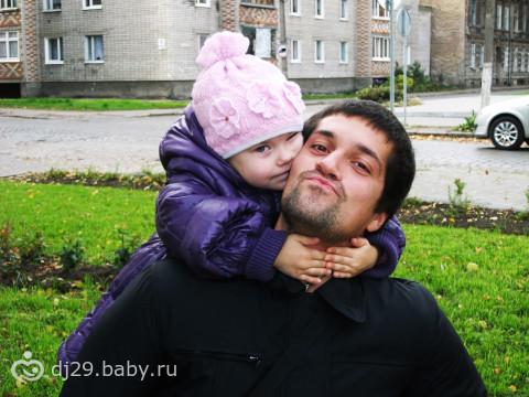 Папа с любимой дочуркой!!!-)