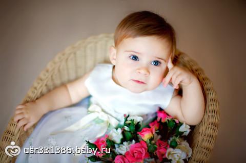 Фото малыша в цветах 99