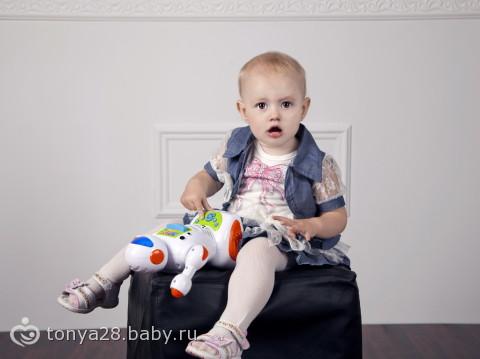 Дочь- фотомодель)))